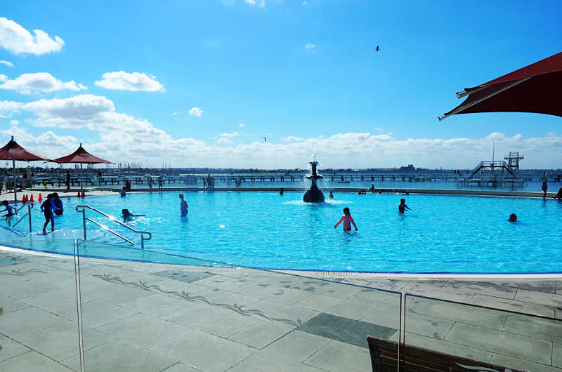 Kids swimming in the Geelong beach pool.