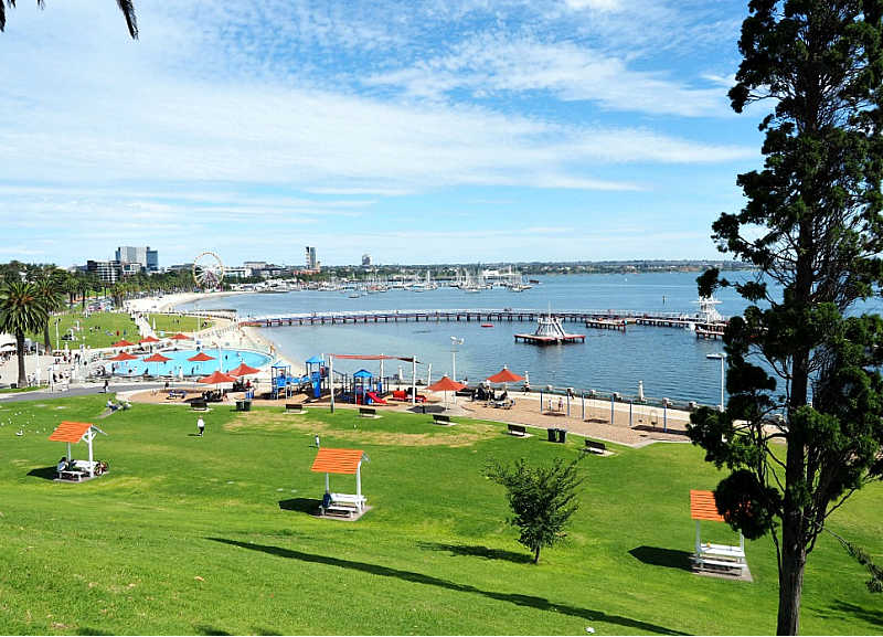 View of Eastern Beach reserve and Geelong promenade.