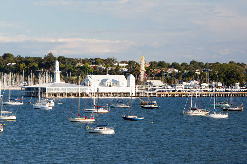 View of Cunningham Pier, boats and Geelong accommodation from Corio Bay.