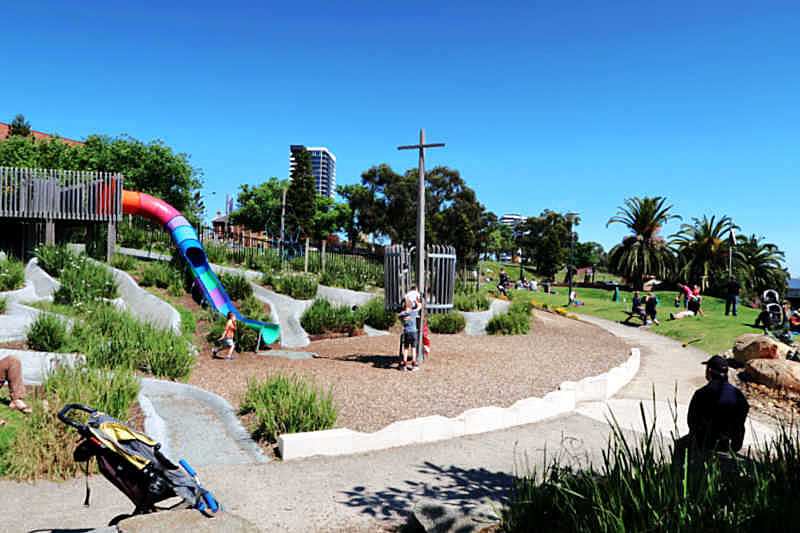 Pic of kids playing at the Poppy Kettle Playground in Geelong.