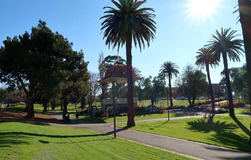 Photo of Johnstone Park Geelong with palm trees and a rotunda.