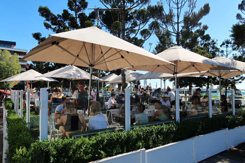 Alfresco dining at Sailors' Rest one of the best Geelong waterfront cafes.