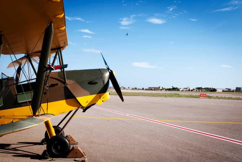 Yellow Tiger Moth Plane - Tiger Moth World Torquay.