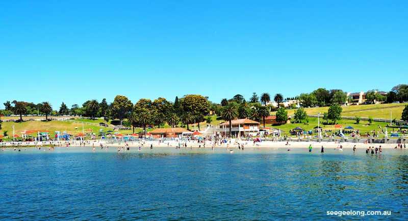 View of Geelong Beach from the promenade.