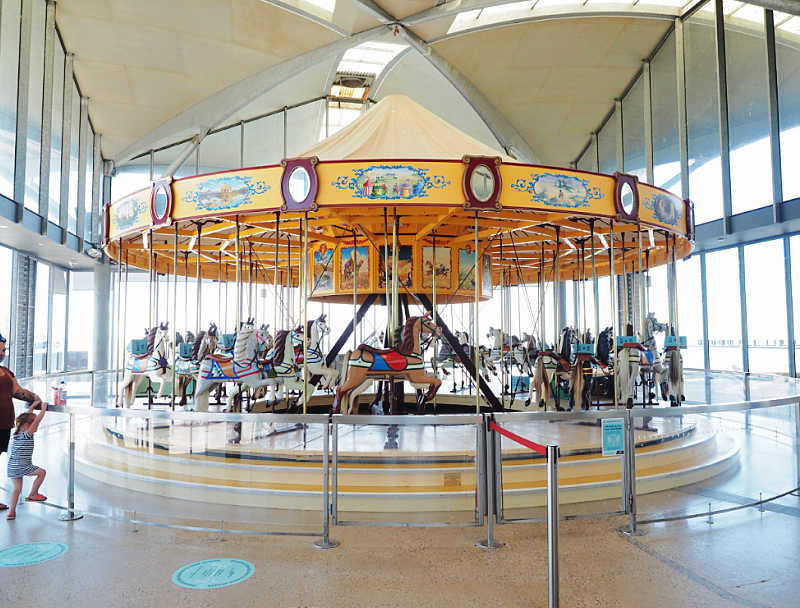 Pic of the historic carousel on the Geelong Waterfront.