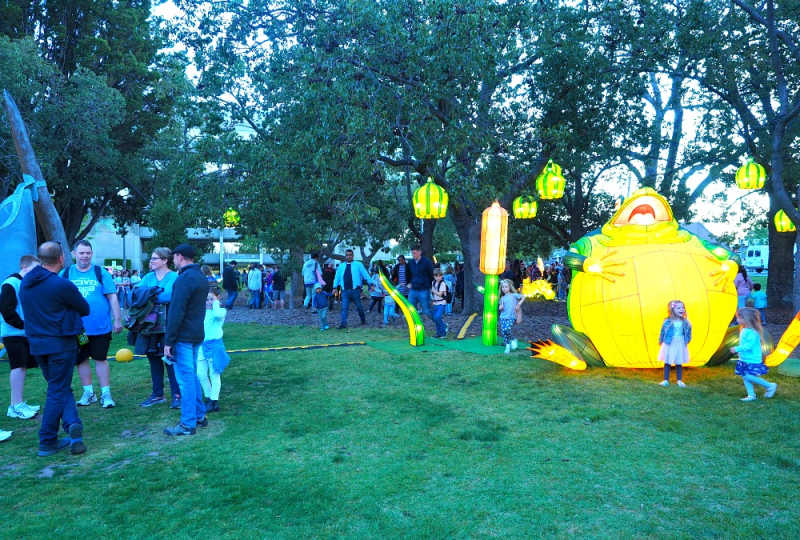 Families enjoying Geelong as it's never been seen before at White Night Geelong.